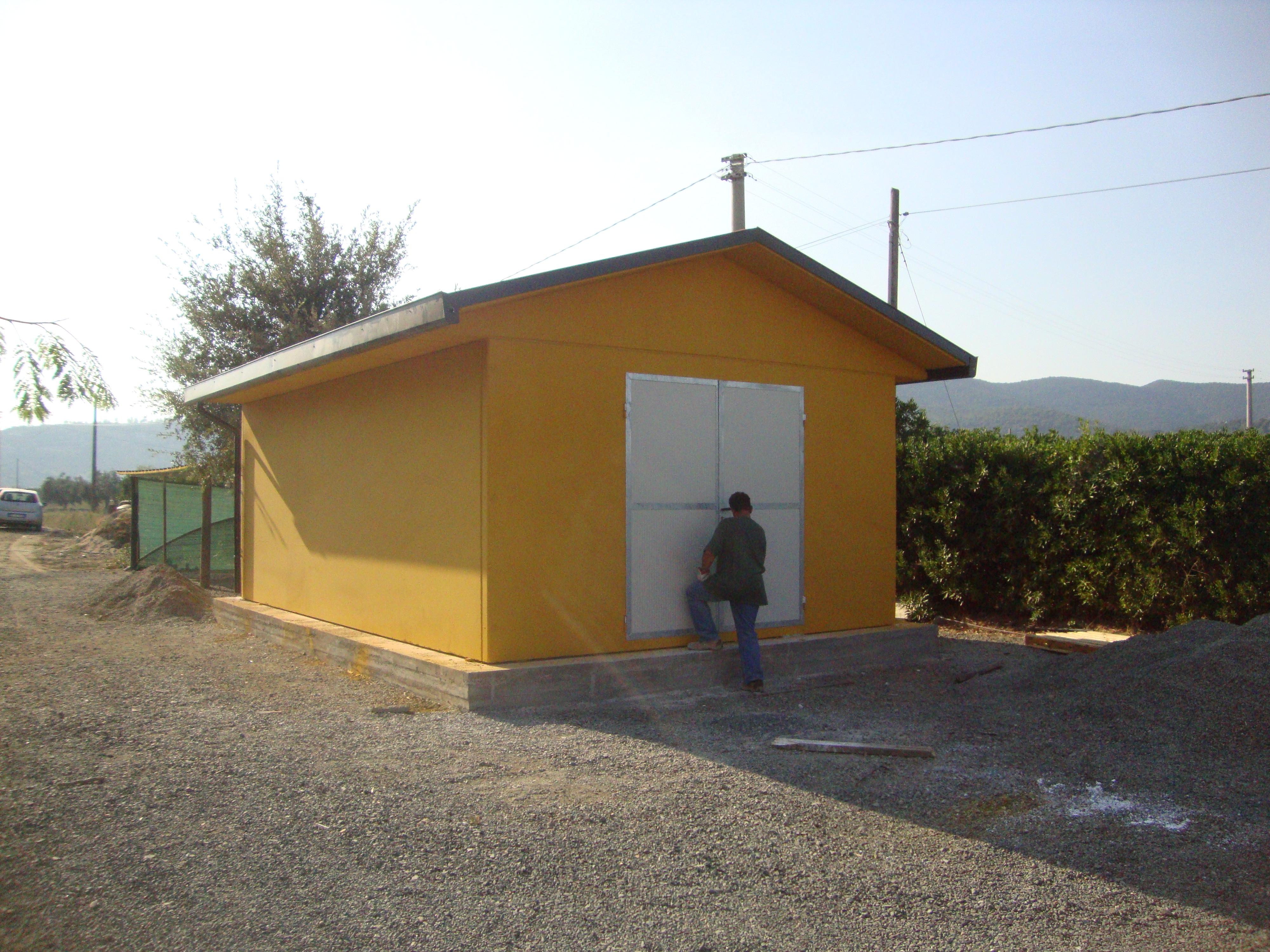 Box prefabbricati in cemento con platea garage for Casette prefabbricate in cemento