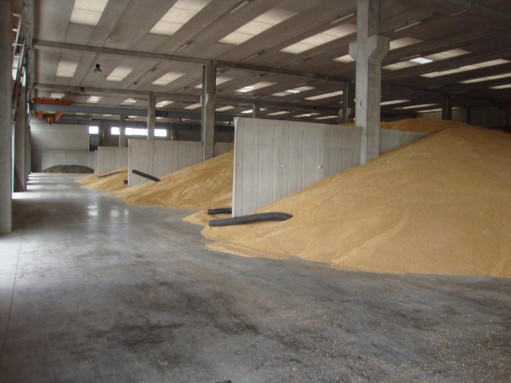 silos per grano , pannello di contenimento per grano
