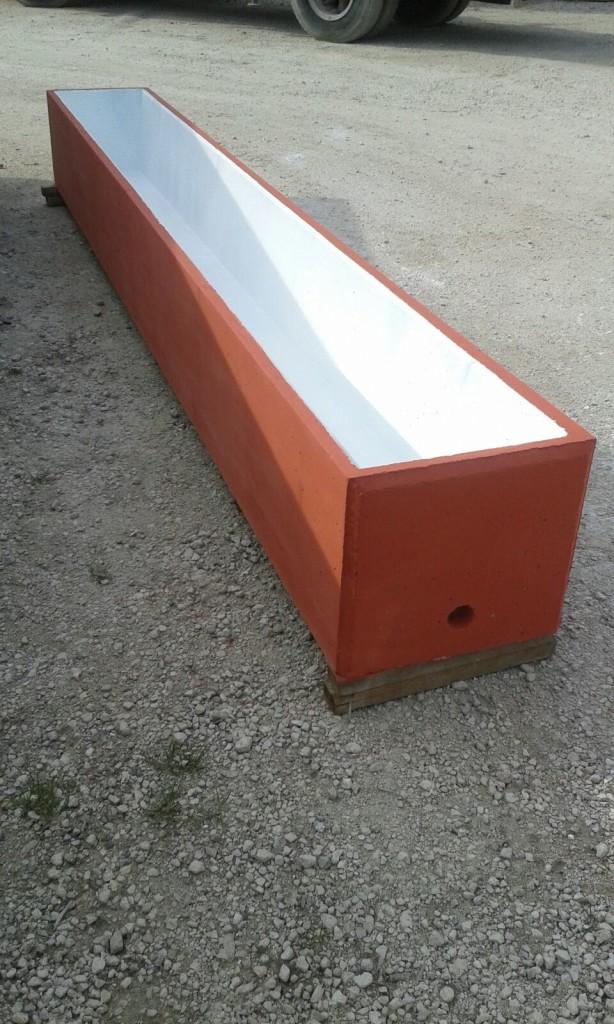 Abbeveratoio in cemento
