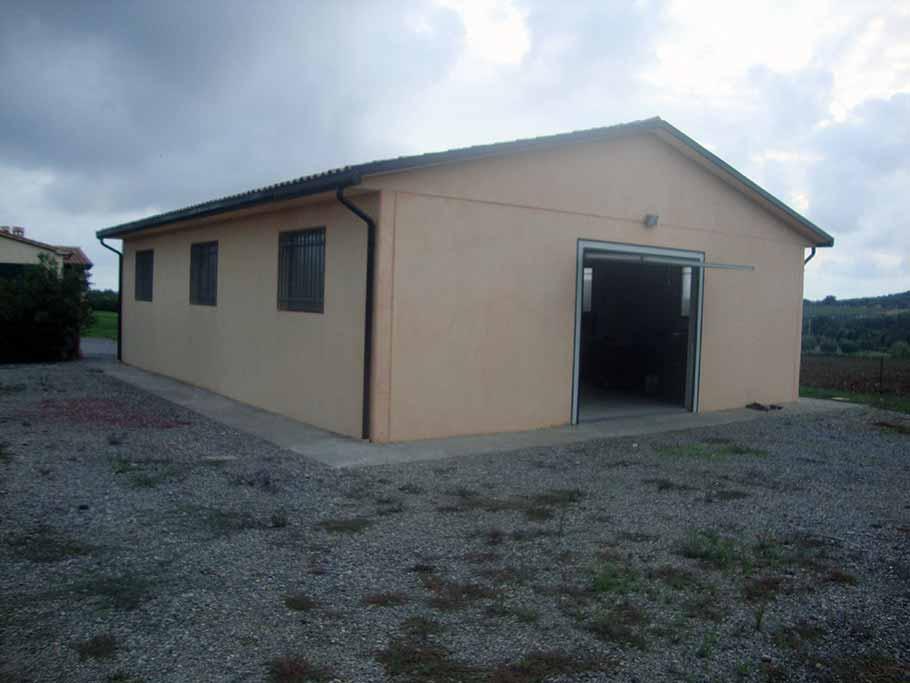 Box prefabbricati in cemento con platea garage for Garage prefabbricati con alloggi